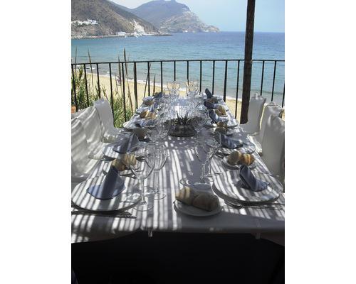 Detalle mesa celebración en la terraza