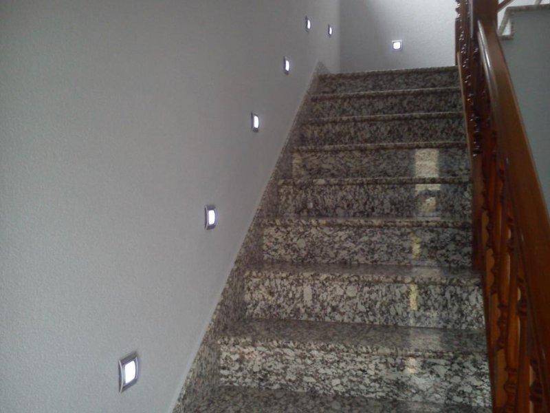 luz señalización escalera