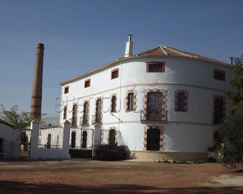 Vista del edificio del cortijo