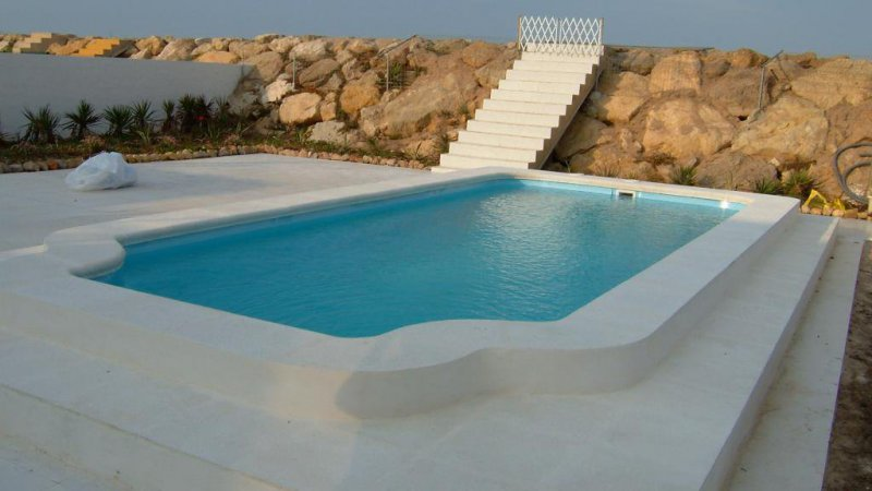 PISCIVAL: piscina prefabricada coronada con marmolina