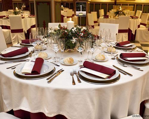 Mesa montada para boda