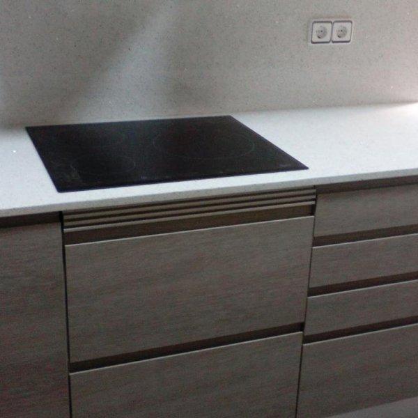 mueble de cocina en FINGER PULL con tirador incustrado