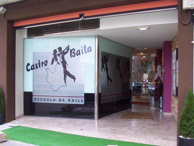 Castro Urdiales: Adecuación de sala de baile en antiguo garaje