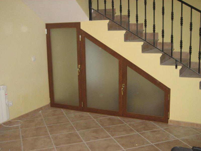 Armario interior para escalera