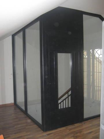 Buhardilla con puerta y fijos de cristal laminar 4+4