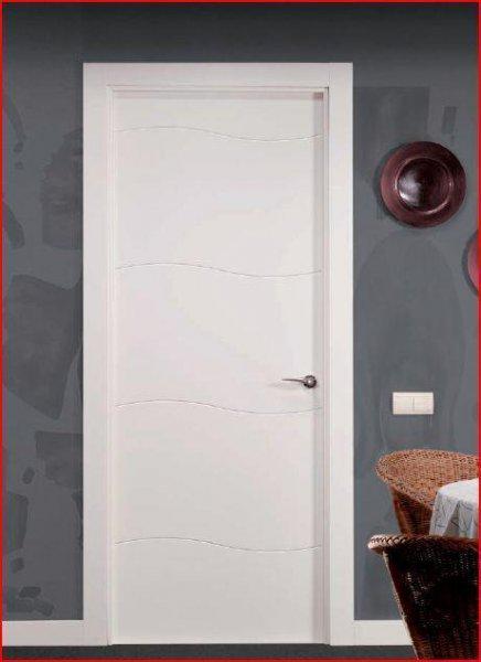 Puerta de paso lacada en Blanco de la nueva coleccion de Artevi