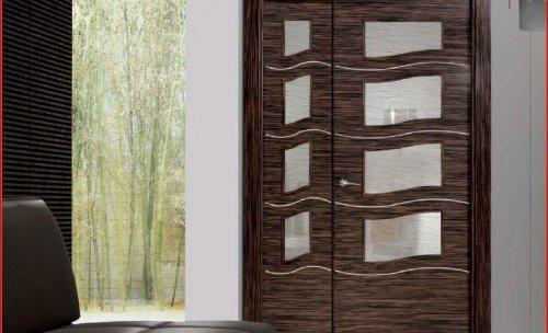 Puerta de paso de la nueva coleccion de Artevi. Puertas con marqueterias o inscrustaciones de aluminio