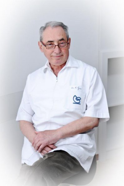 DR AGUSTÍN GUIU ANÉS (FUNDADOR)