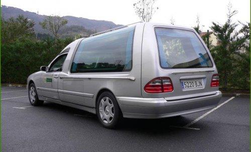 Funeraria Bizkaia - Flota de coches fúnebre propia