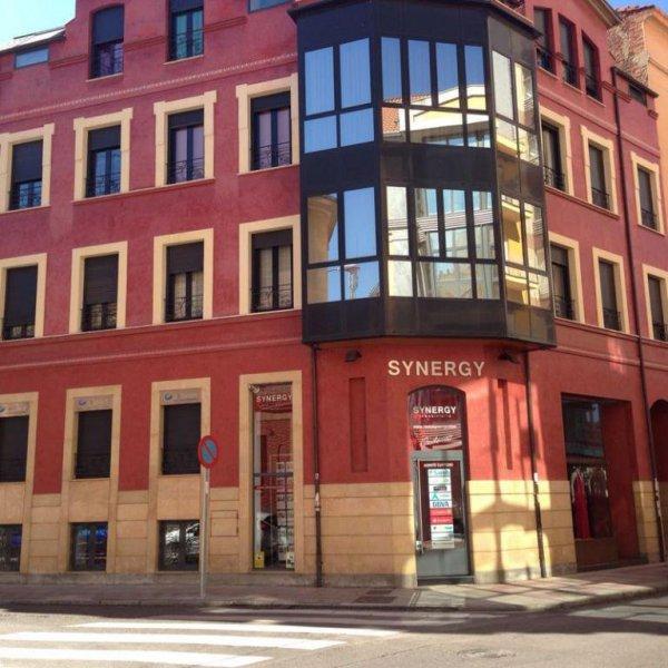 Synergy Inmobiliaria. Pisos y locales en León. Calle Julio del Campo 11. 24002 León. www.inmosynergy.com