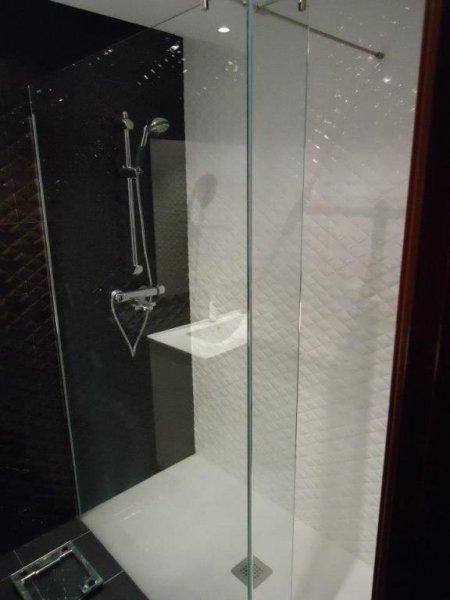 Platos y mamparas de ducha
