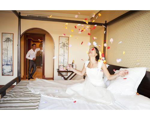 Regalo de suite club premium para la noche de bodas