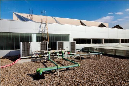 Climatización mediante enfriadoras con fancoils realizada por Jpalmer Ice, S.L. en Hueneja.