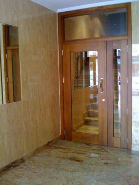 Puerta cancela en Iroko.