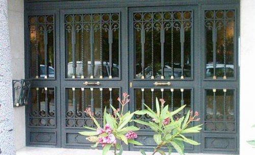Puerta de patio en el Modelo ALHAMBRA