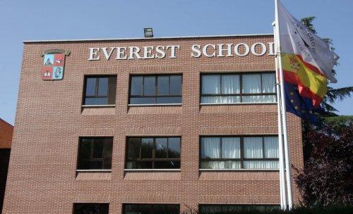Everest School