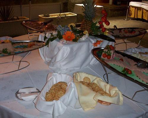 Salones para bodas con cocina propia, restaurante, asador y arrocería