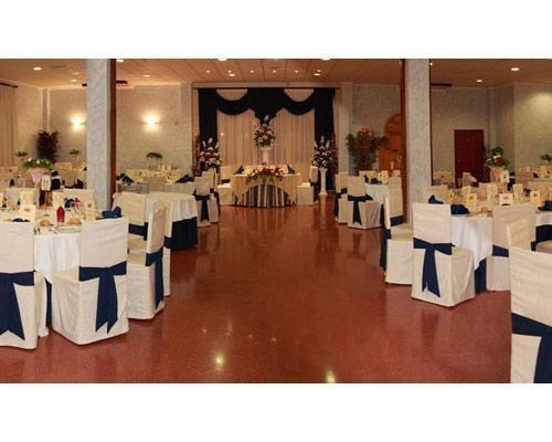 Amplios jardines para celebrar bodas civiles, cocktail y  banquete