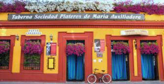 Fachada del Restaurante Sociedad Plateros María Auxiliadora