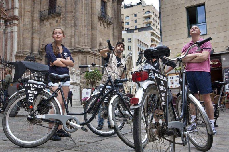 ruta guiada por Malaga con bike2malaga