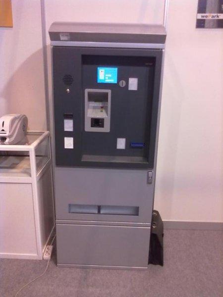 Cajero Automático para Aparcamientos, con cobro por tarjetas de crédito