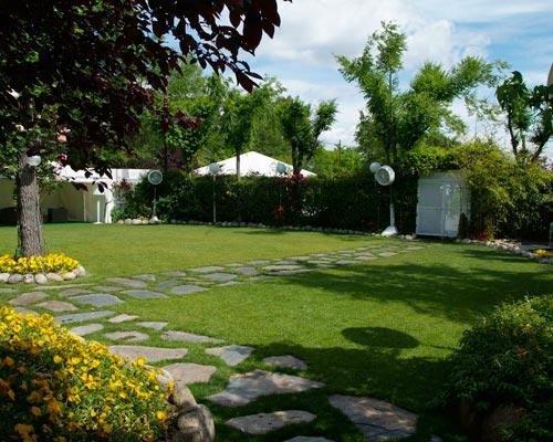Amplio jardin