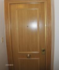 puerta blindada roble con cerradura antipalanca 625€ montage incluido