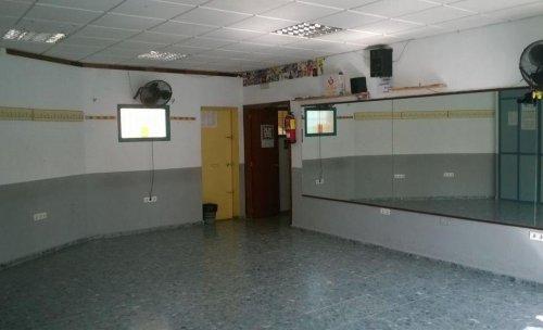 Escuela de baile en Malaga capital, para aprender a bailar salsa en Malaga.