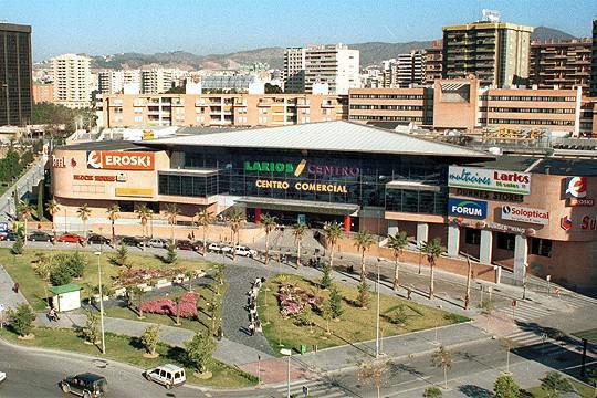 Electricistas en Málaga: instalaciones y mantenimientos de tiendas y comercios