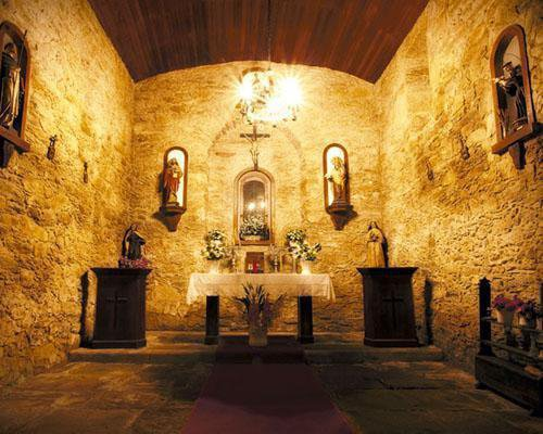 Tiene capilla propia