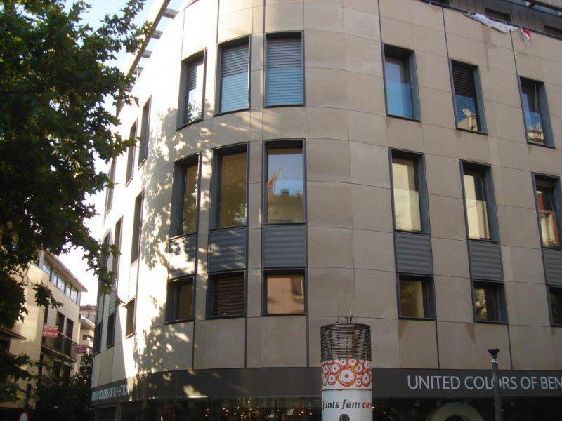 Metalistería Construmap, ventanas y cortinas de cristal en Barcelona