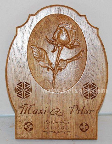 Regalo de boda tallada en madera