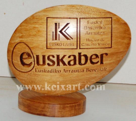 Regalo de Empresa tallado en madera
