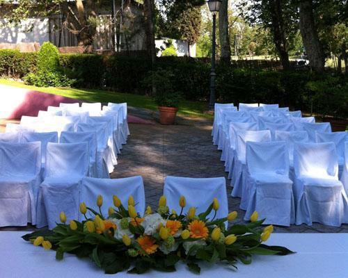Decoración floral para la ceremonia