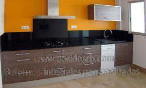 Dosidos CB reforma de cocina naranja en Valencia