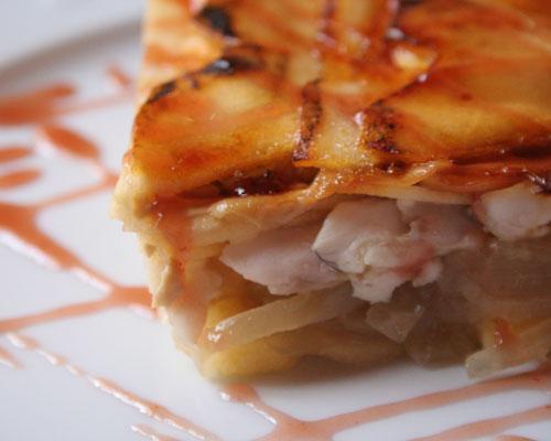 Milhojas templado de lubina y foie fresco con manzana caramelizada