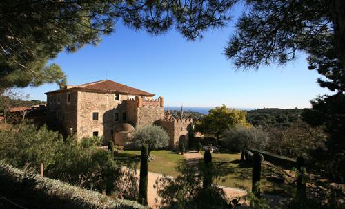 Vista general de castell de l'oliver