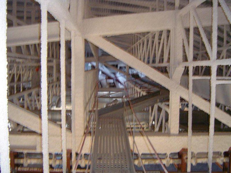 Pasarela interior del techo delPabellón deportivo.Finca de España, La Laguna en Tenerife