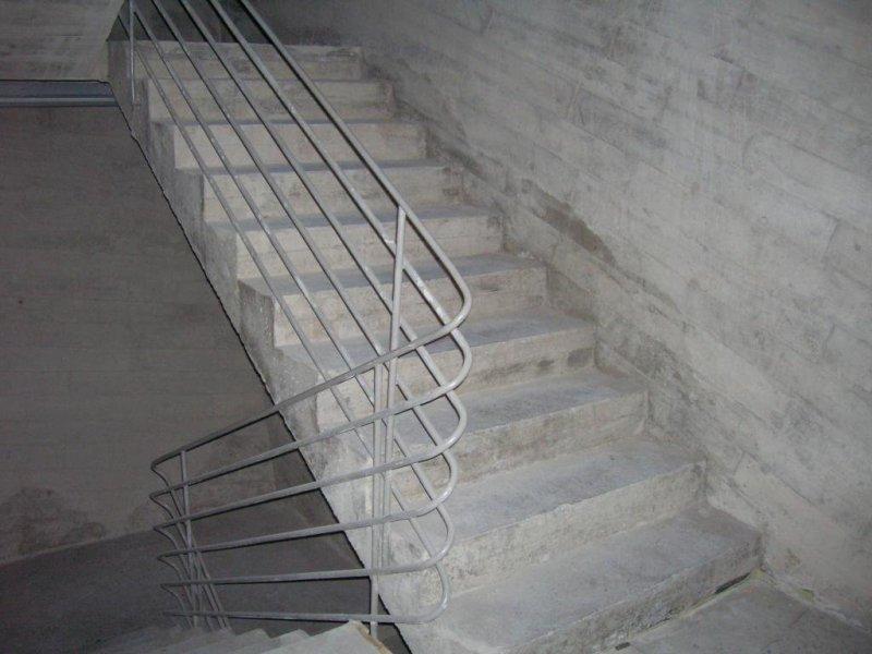 Escalera publica de subida entre plantas del congreso.Playa de las americas, costa de Adeje, Tenerife