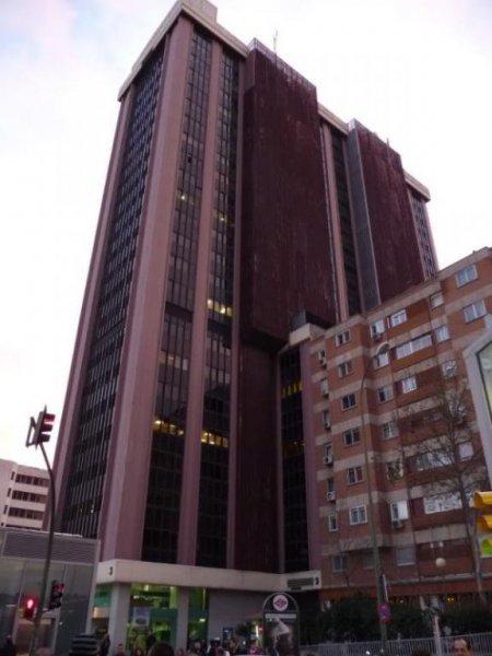 Plaza de Castilla 3