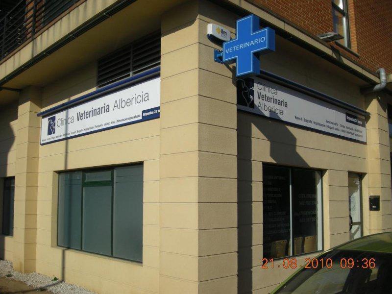Imágen fachada clínica