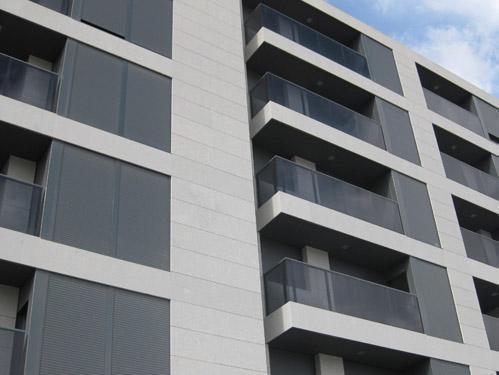 SAC3 arquitectes. Edificio Tirant. Ontinyent. 24 viviendas, locales comerciales y aparcamiento.
