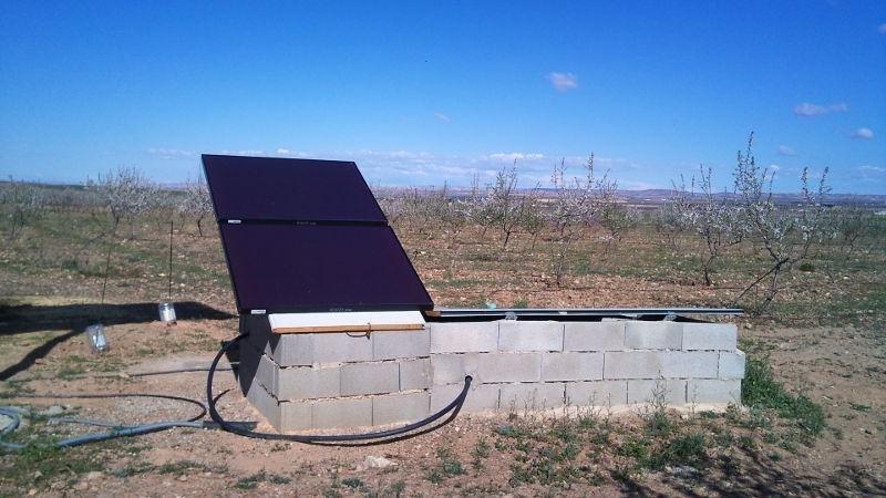 Instalación aislada para invernadero y cabaña (paneles fotovoltaicos).