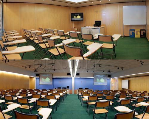 Sala conferencias montada en escuela