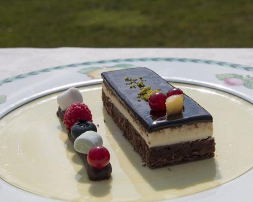 Tarta mousse de tres chocolates