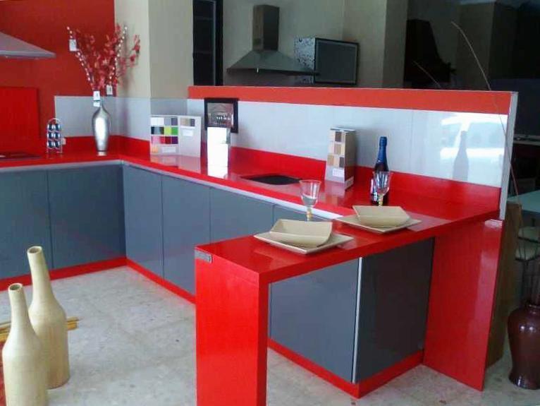 Encimera de cocina en rojo Gil Martín de Lepe