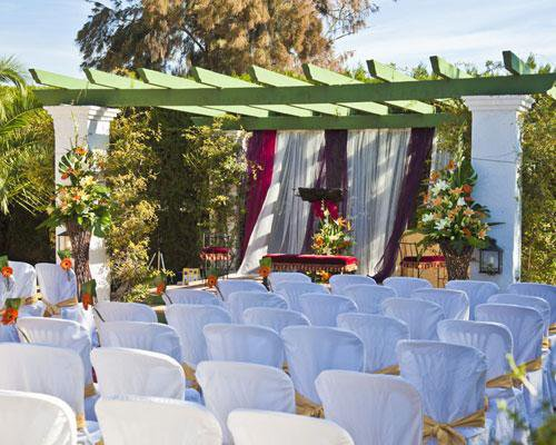 Montaje de ceremonia civil al aire libre