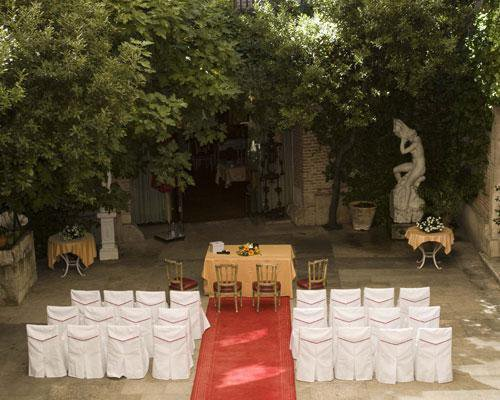 Ceremonia civil en patio