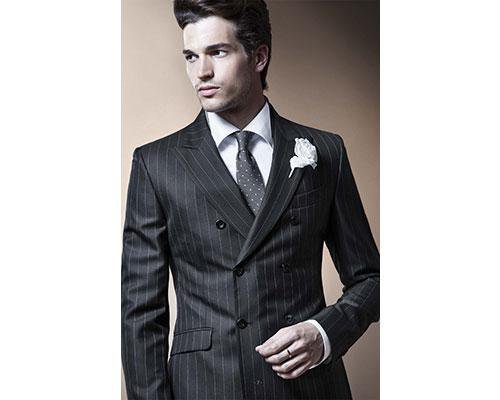 Marca número uno en el mundo de moda nupcial masculina