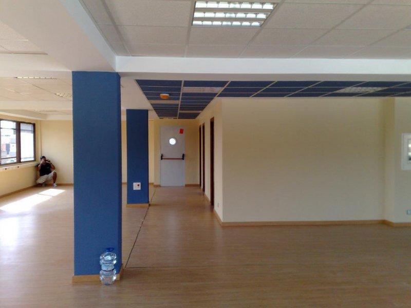 Habilitación de nuevo local: suelo, pintura, cerrajería, etc